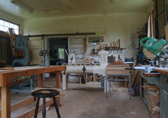 etsy-featured-shop-brenda-cattails-woodwork-home-goods-wood-studio