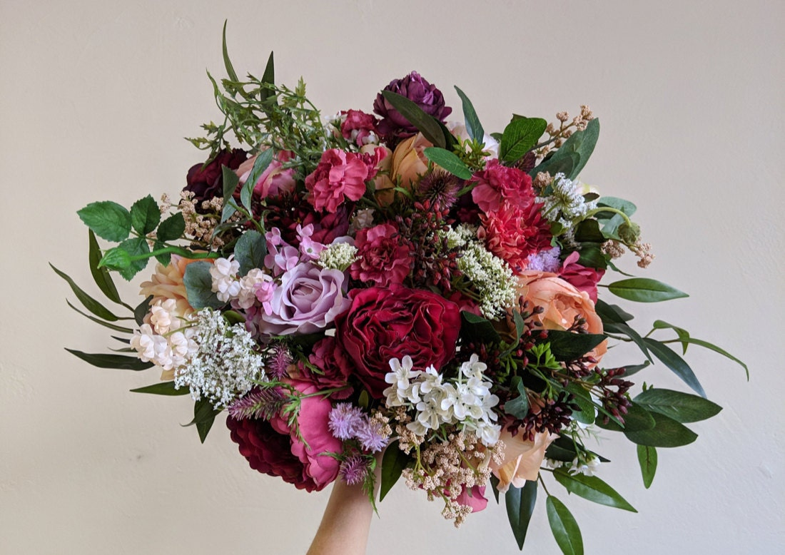 An example of a bold, rich red and pink bouquet from The Faux Bouquets
