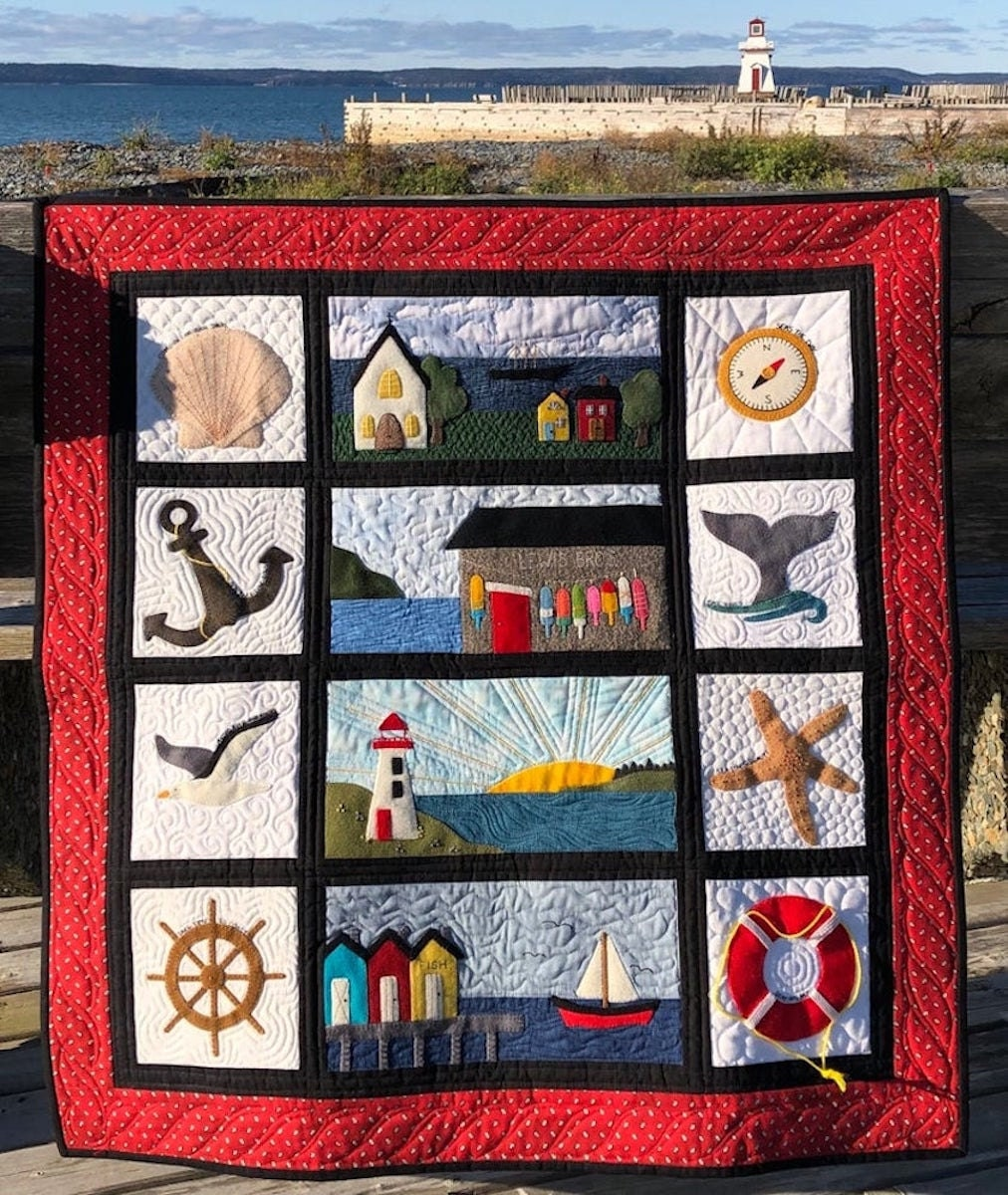 An appliqué quilt pattern from Etsy