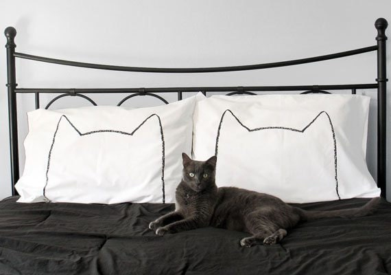 how-to-shop-for-bedding-pillows