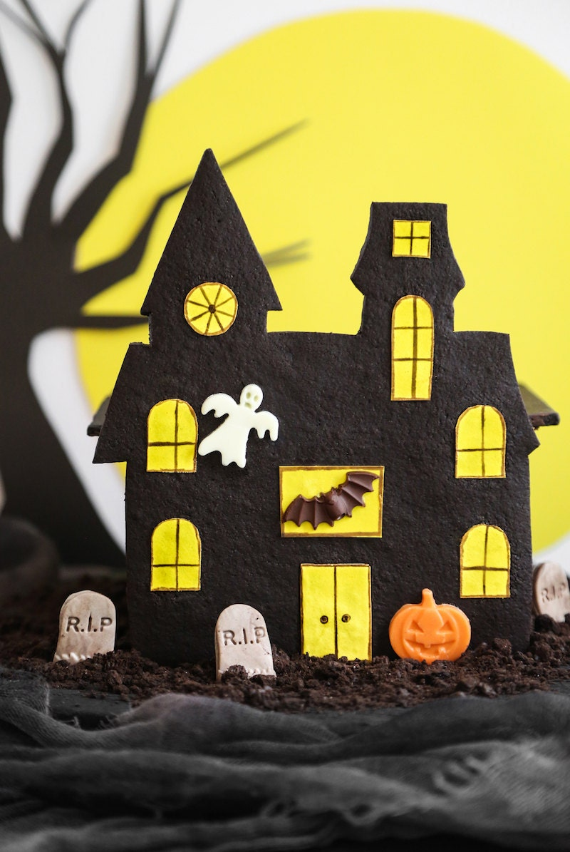 A completed haunted gingerbread house