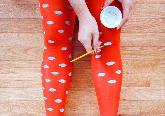 etsy-how-tuesday-how-to-tutorial-diy-painted-tights-clare-mcgibbon-one