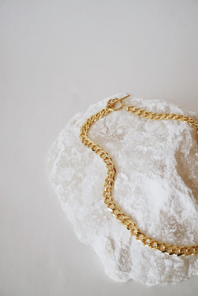 A gold chain necklace from Foe & Dear
