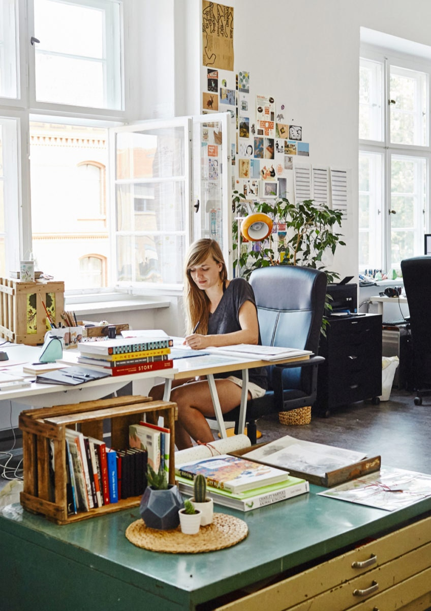 Portrait of Etsy sellers Theresa Grieben and Carolin Buzio in Berlin, Germany on August 11, 2015. Photo: Zoë Noble