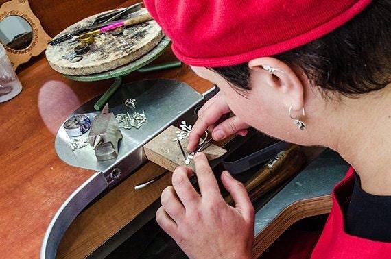 FS_shirliclassicjewelry_process1