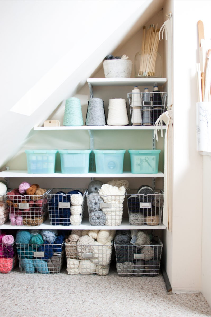 Shelves for storing yarn and warp thread.