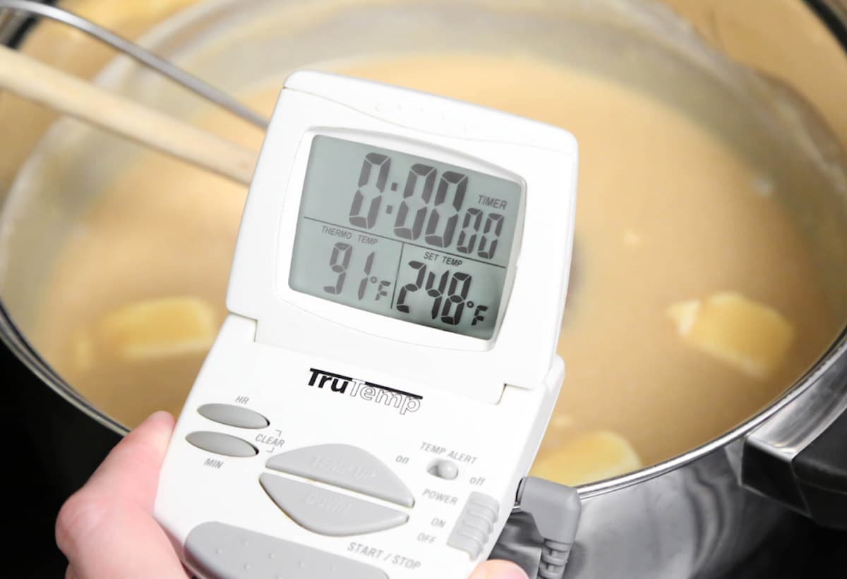 Candy thermometer for making caramels