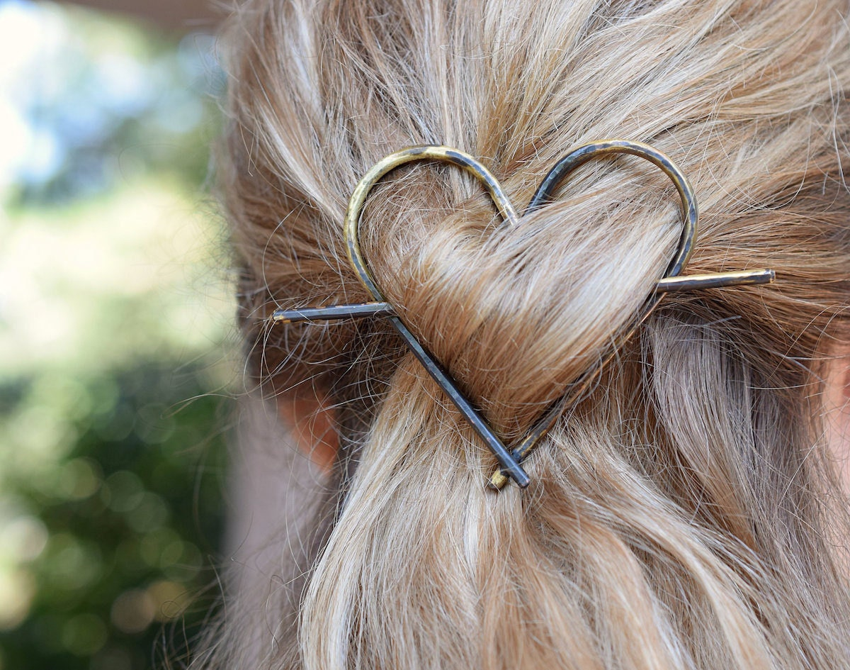 Rustic heart hair barrette from Palidou