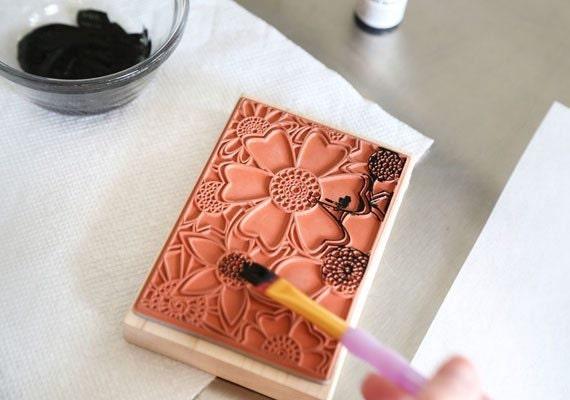 coloring-book-cookies-etsy-blog-sprinklebakes-heather-baird-diy-paint