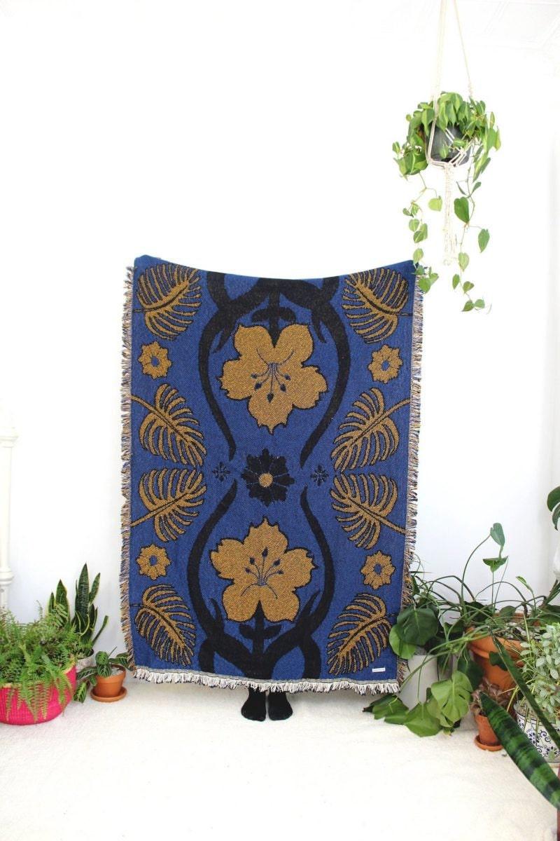 Floral knit throw from Calhoun & Co.
