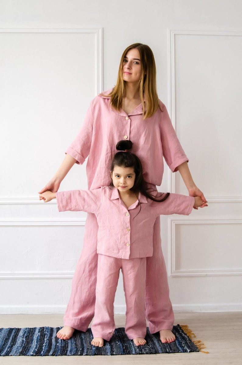Matching mommy-and-me linen pajamas from BelEcoFlax
