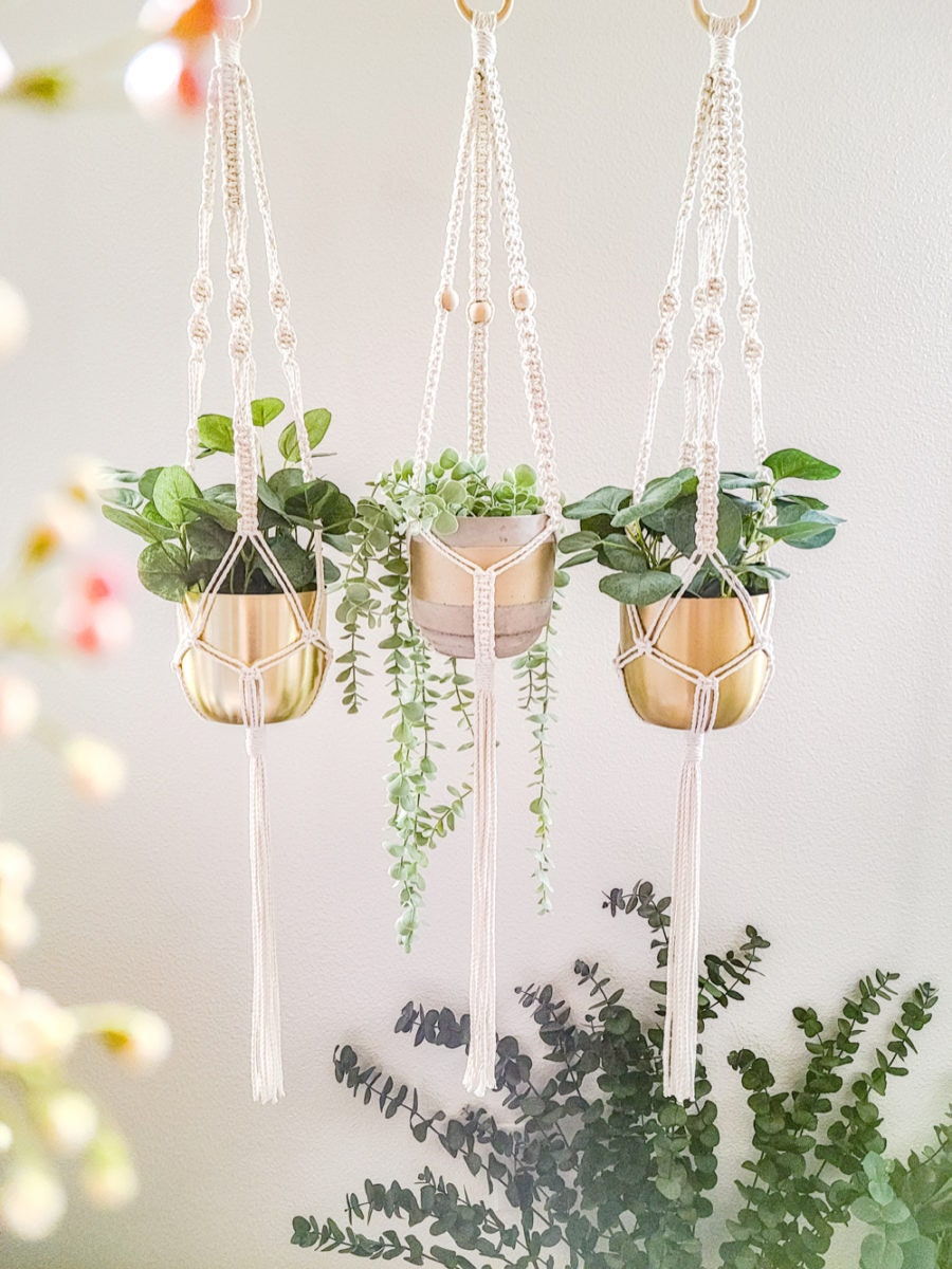 Some neutral macrame planters from Sweet Home Alberti