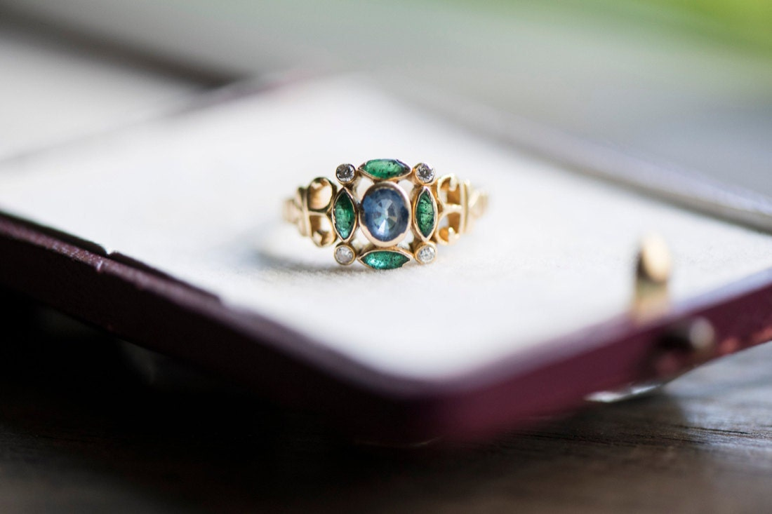 A sapphire and emerald statement ring from KK Vintage Collection