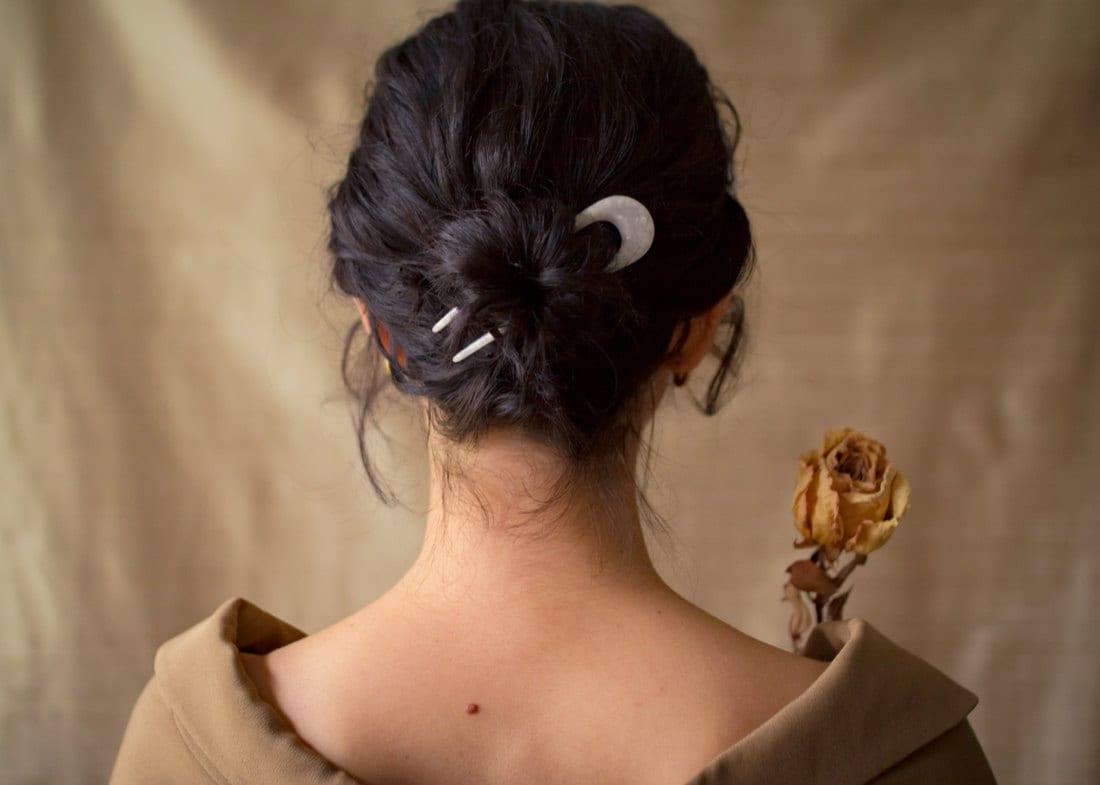 Pearl hair pin from Foe & Dear