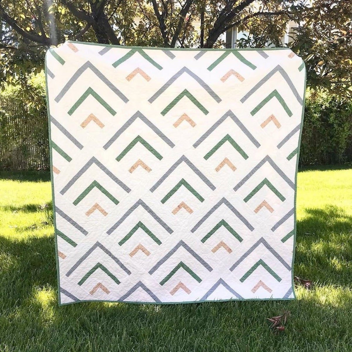 An arrow motif quilt pattern from Etsy