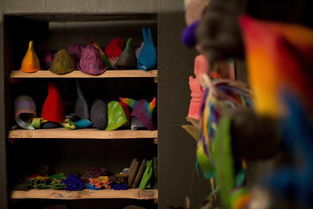fs_feltthink_hats-shelf