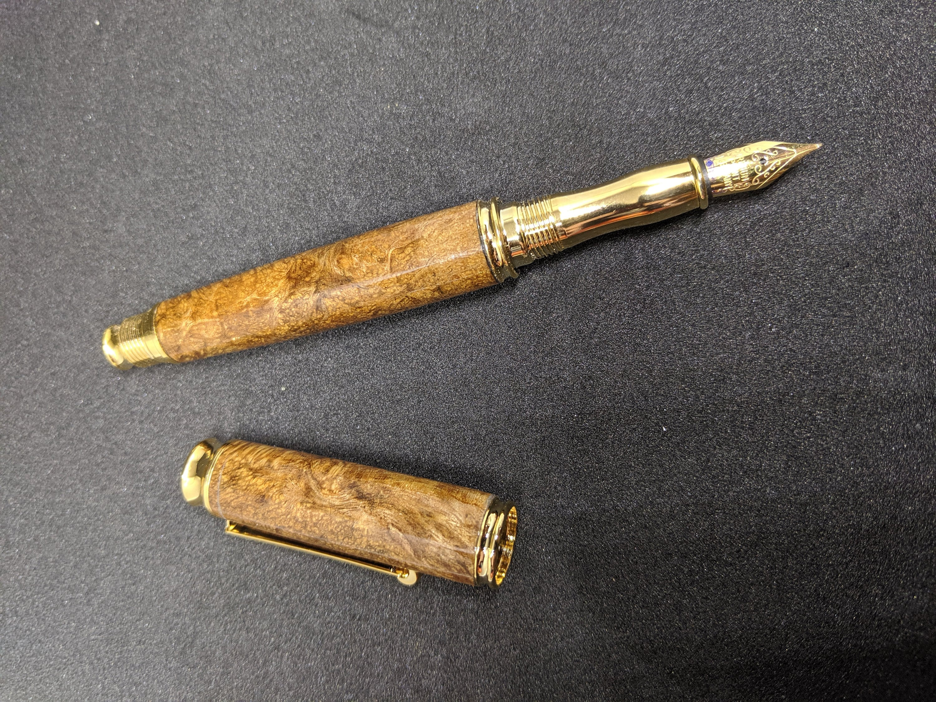 Burl fountain pen