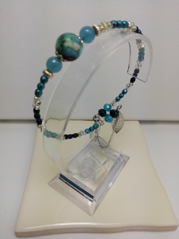 bracelet jonc perles fines et perles de Bohème