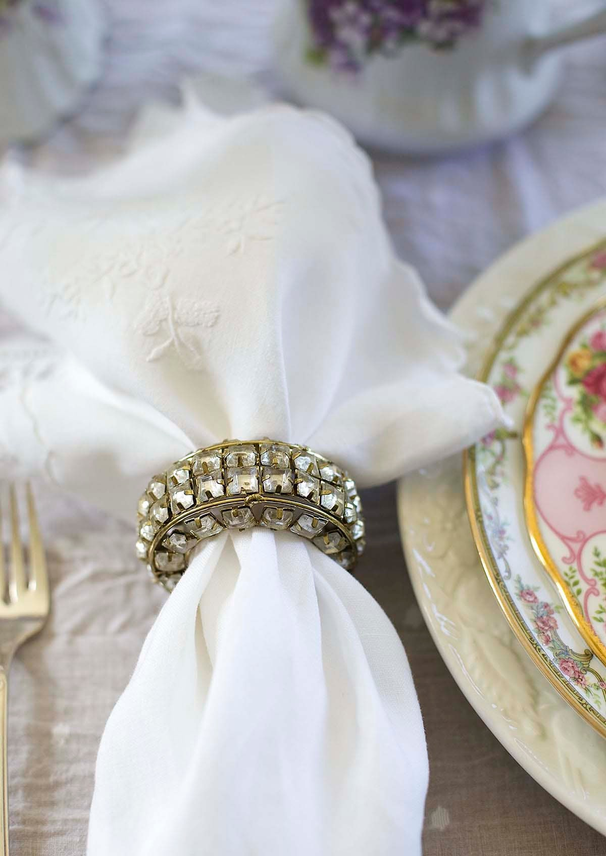 A bit of Hollywood sparkle and glam with accessories like these crystal napkin rings.