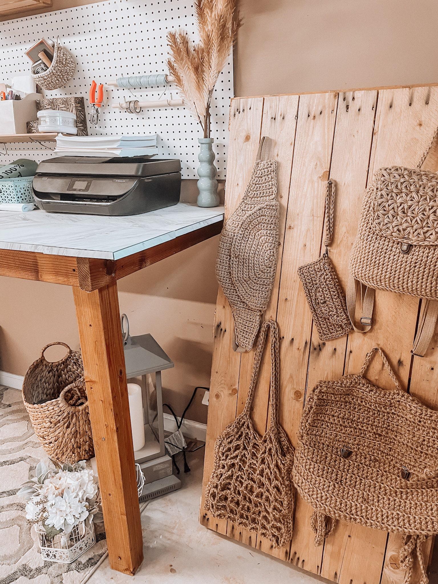 Crochet bag display