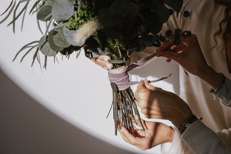 detalles para novias, regalo para novia, placa para ramo, seda para ramo, bouquet medallion, plata mexicana, gift for bride