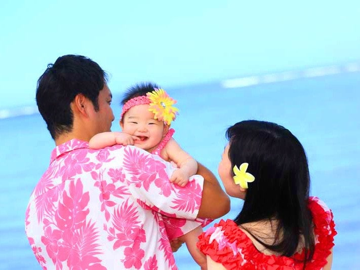 family-pic-in-hawaii