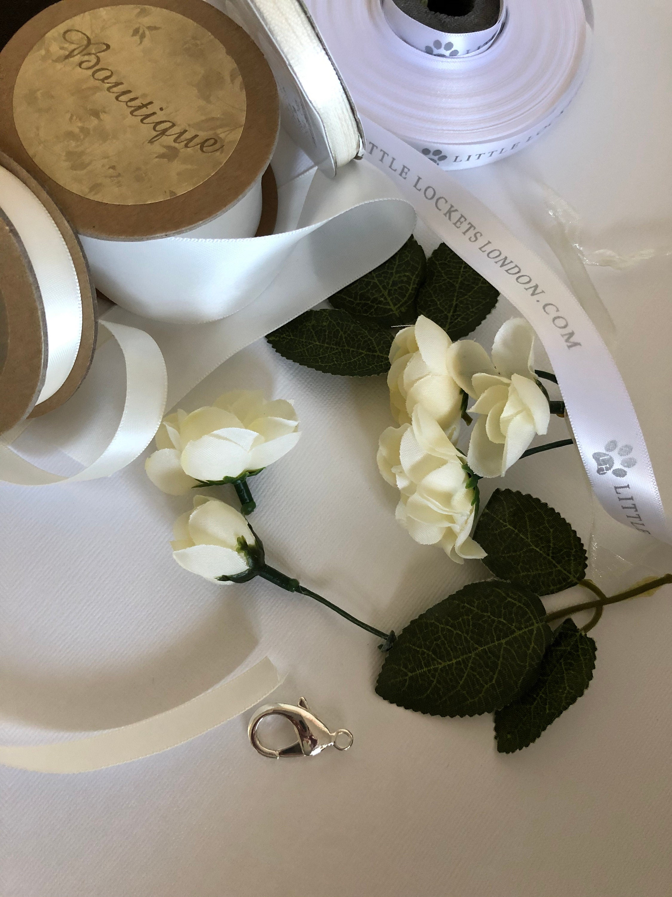 Making an ivory floral collar