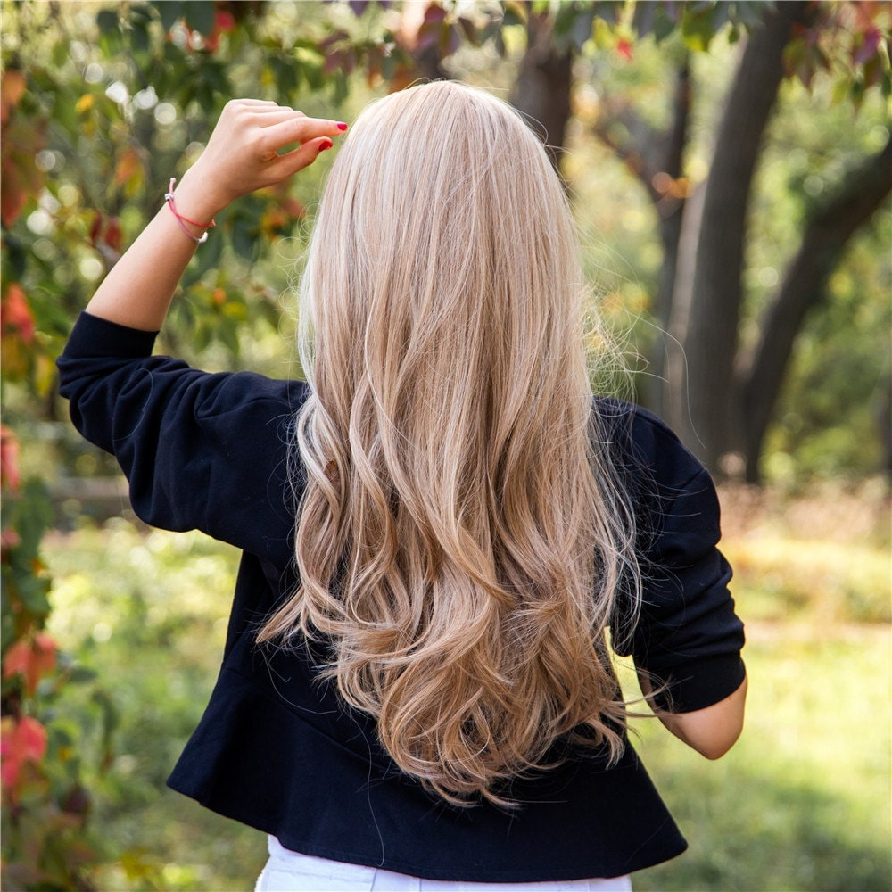 Long Wavy Blonde with Highlights Synthetic Wig for Black & White Women | Natural Look Hair | Heat Resistant | Layered | Light Ombre