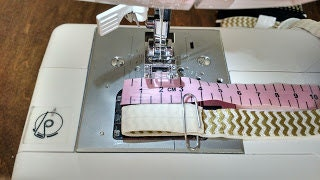 Sewing 2 cm from fold