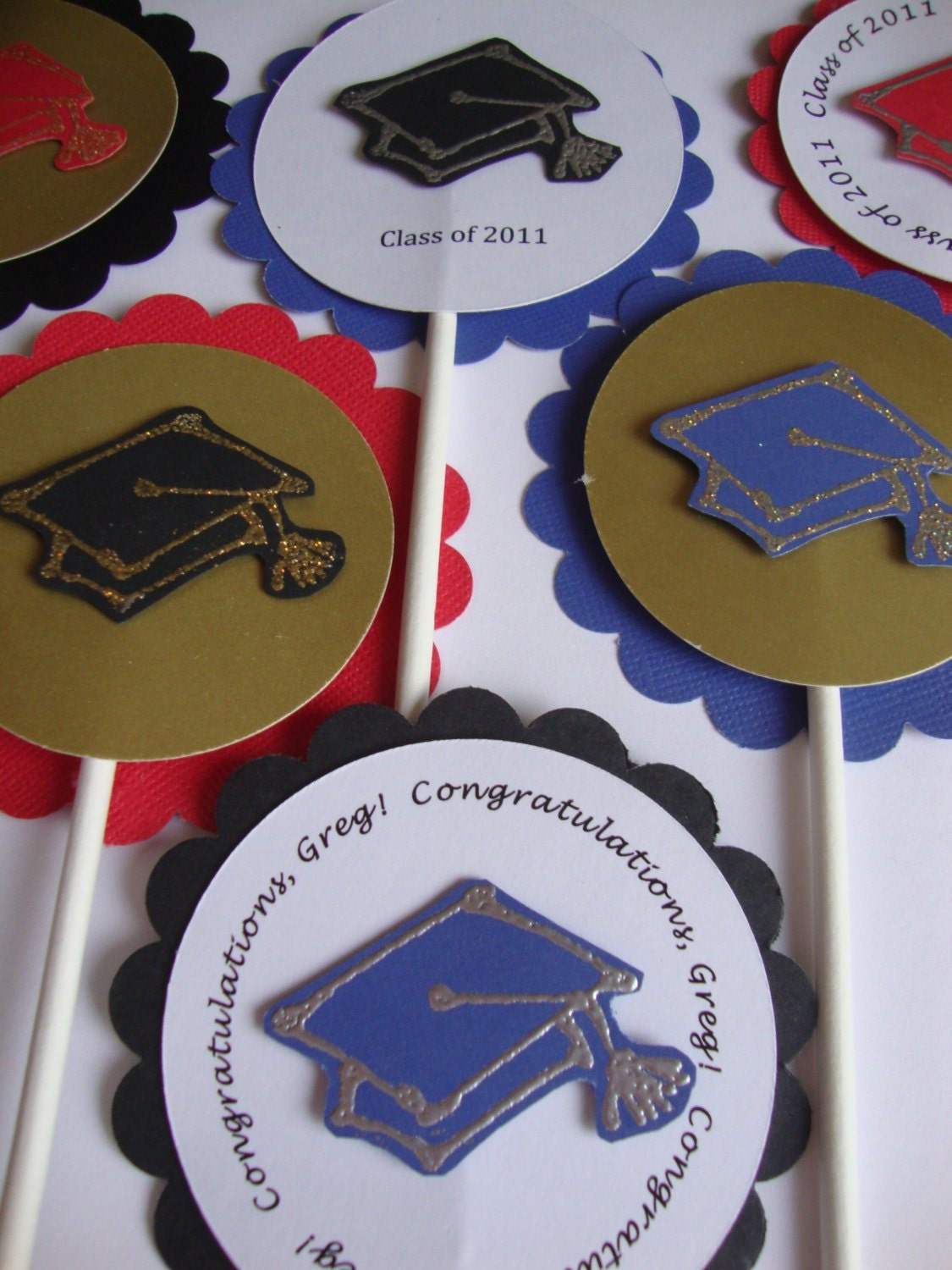 cupcake toppers with graduation caps