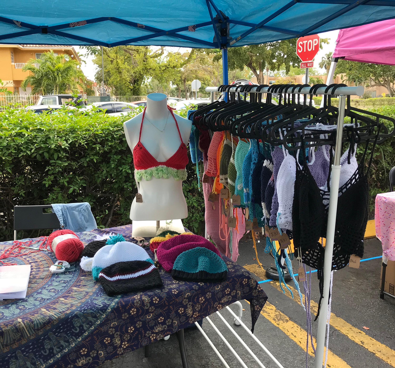 Craft Market Vendor Set Up Knot For U