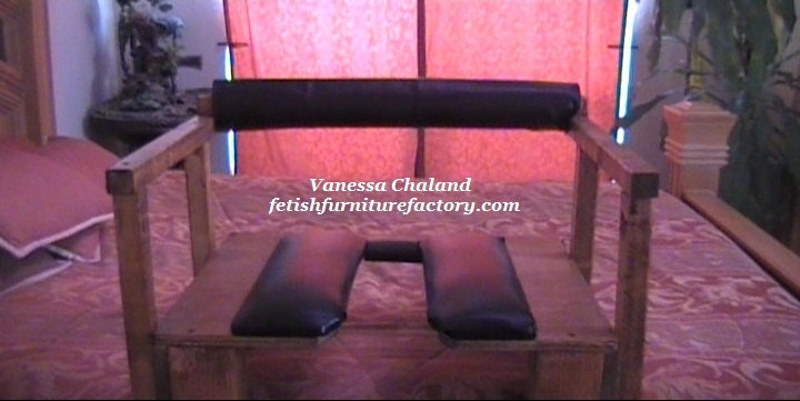 Queening Chair - Face Sitting Stool - BDSM