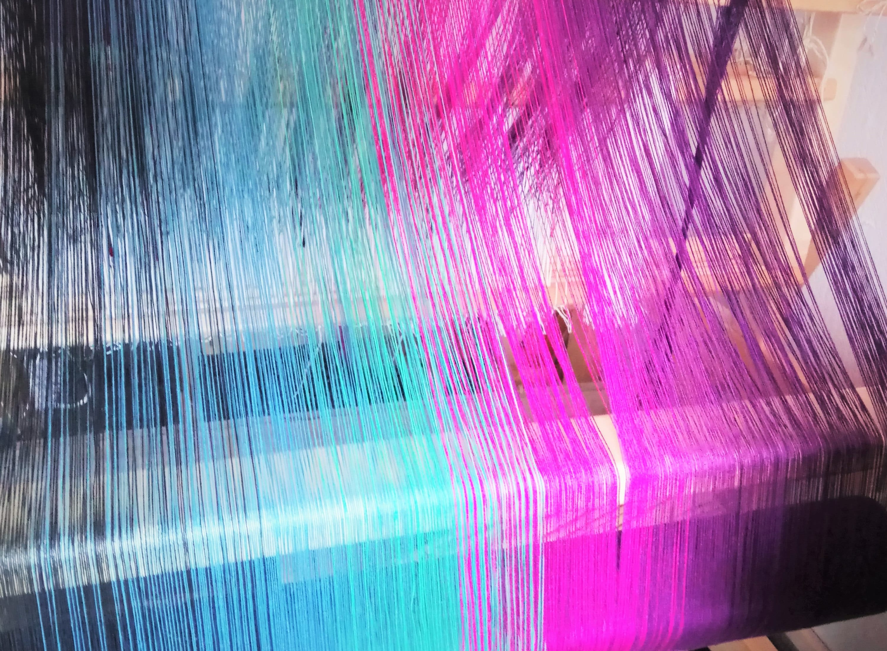 beaming on the loom