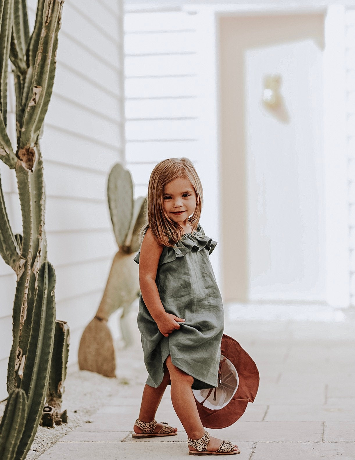 RUFFLE DRESS constructed in 100% Linen