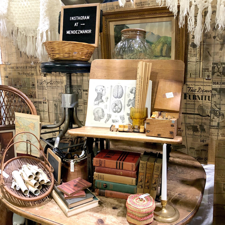 Mendez Manor Vintage