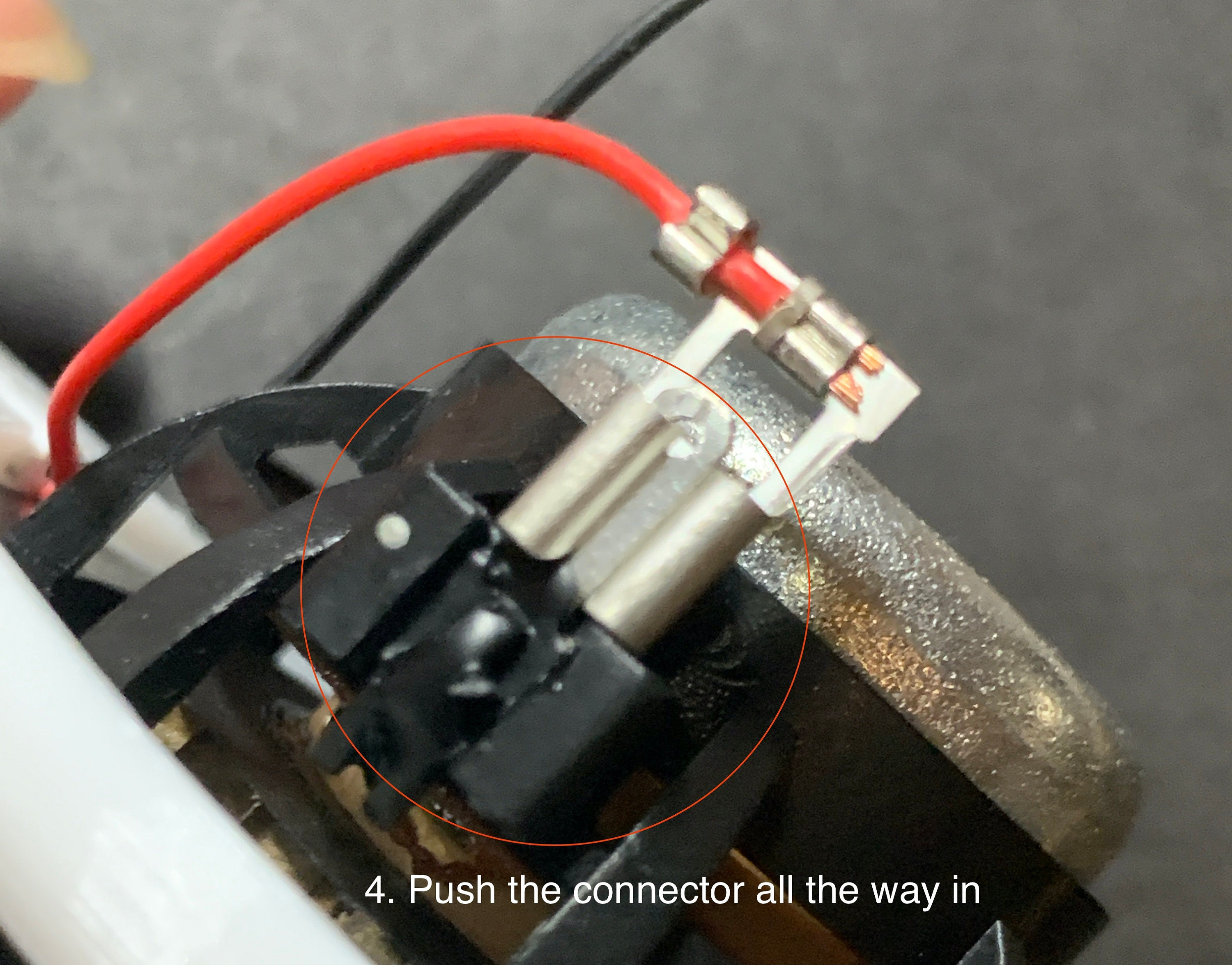 4. Push the connector all the way in.