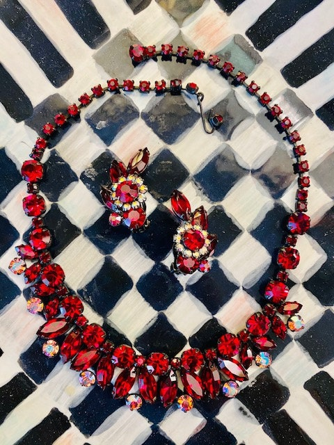 Red Juliana necklace, Christmas Jewelry