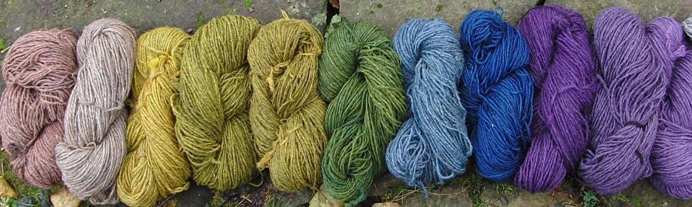 Pflanzengefärbte Pommenwolle