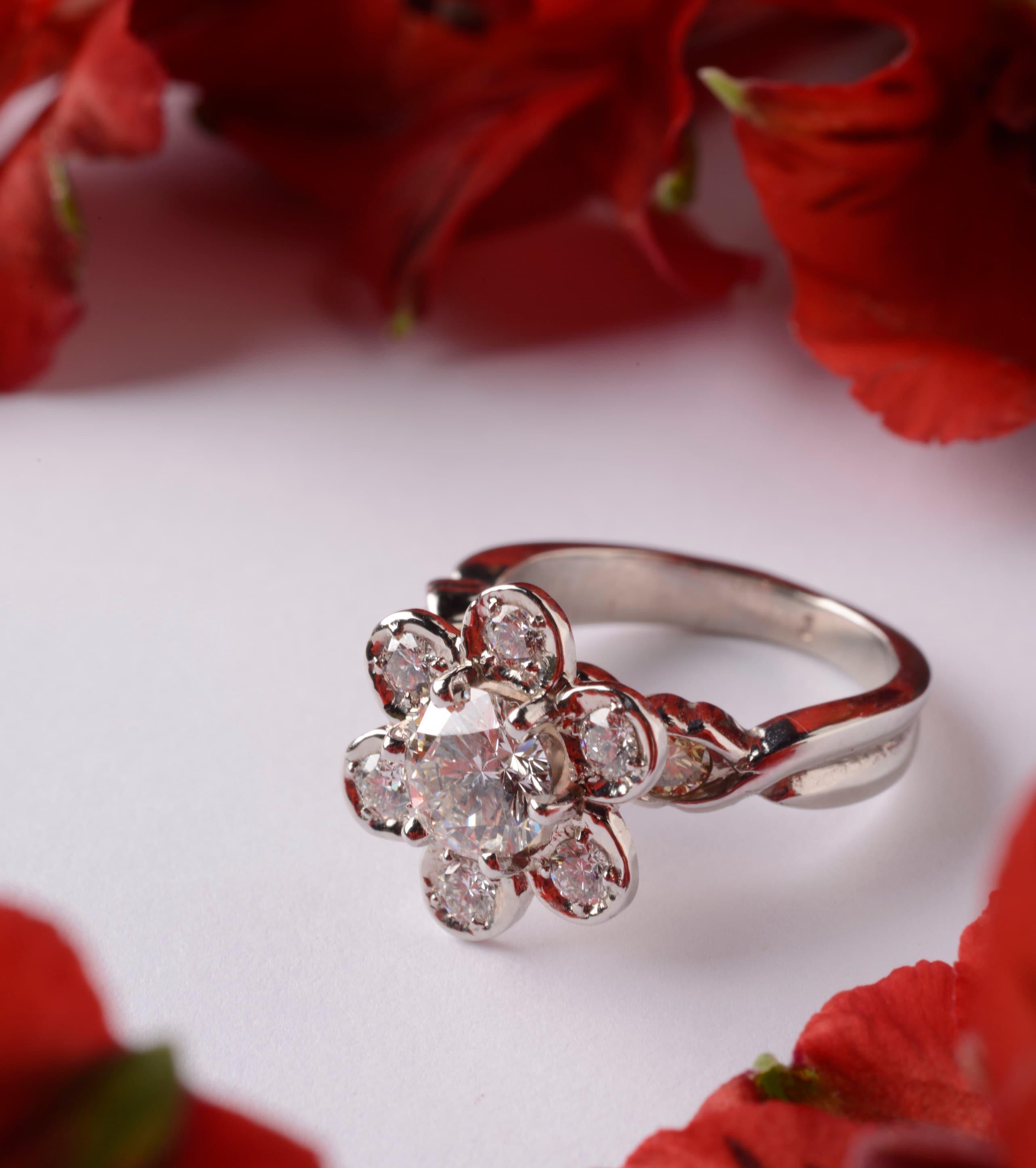 flower diamond ring, diamond engagement ring