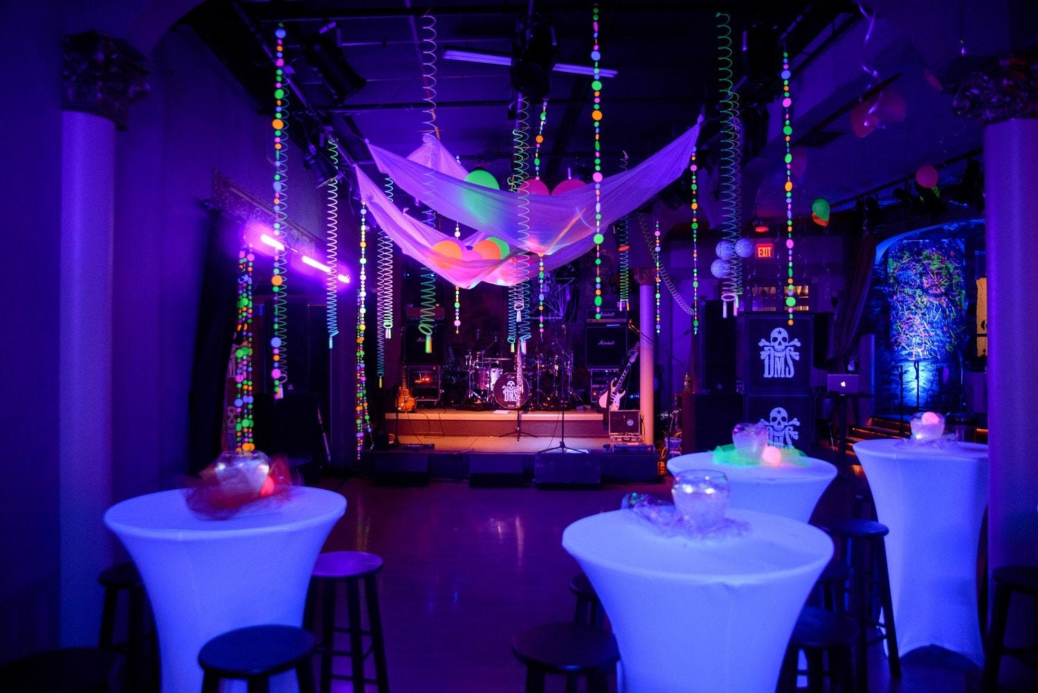 circle neon fluorescent garlands for glow black light party