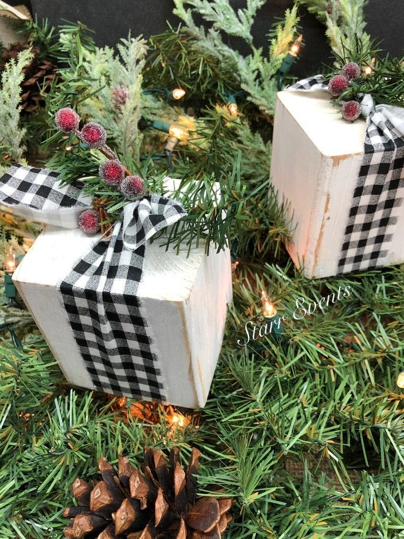 Buffalo Plaid Christmas Present Blocks