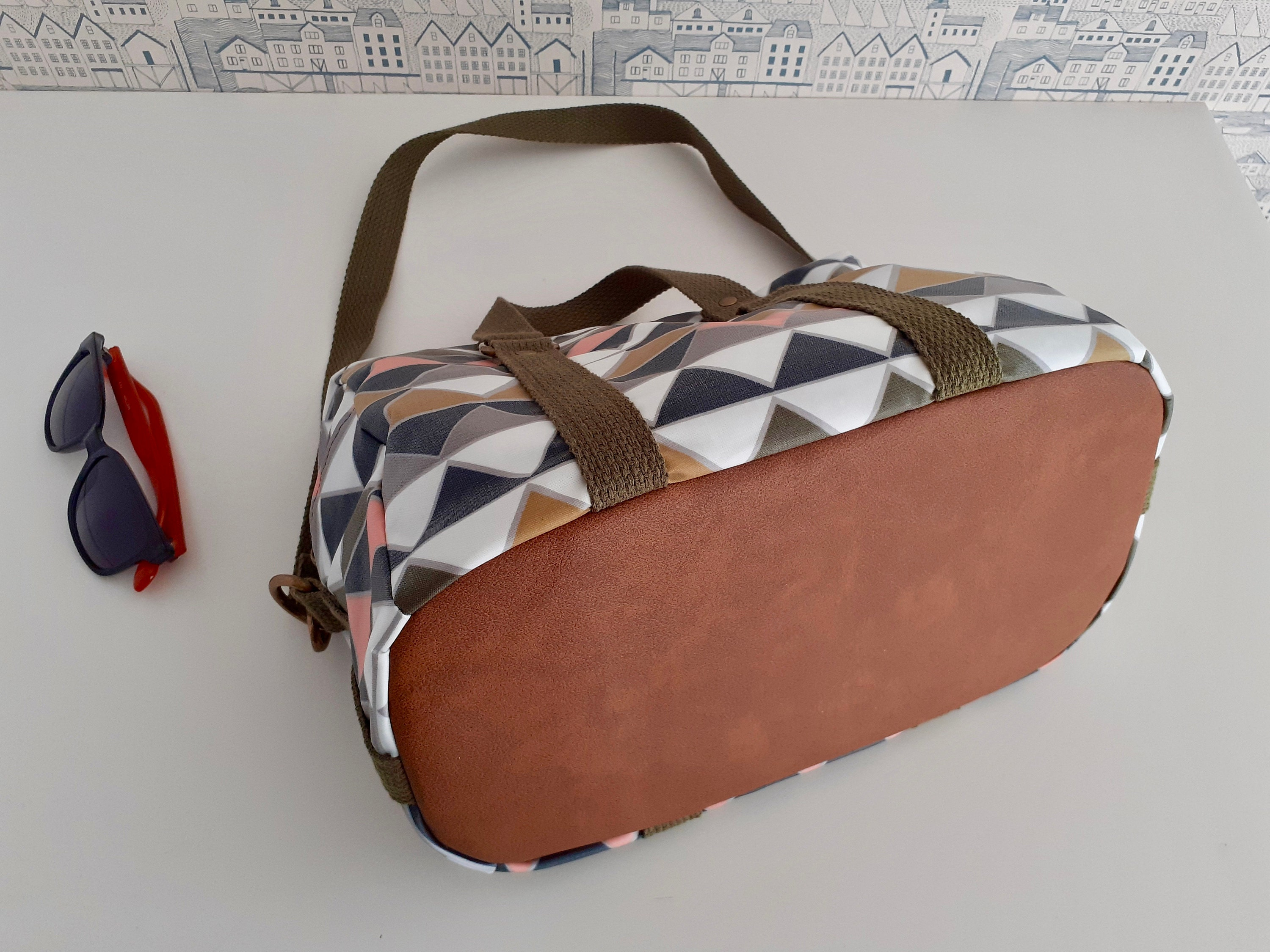 Tribbiani Trio Traveler bag pattern by Sincerely Jen