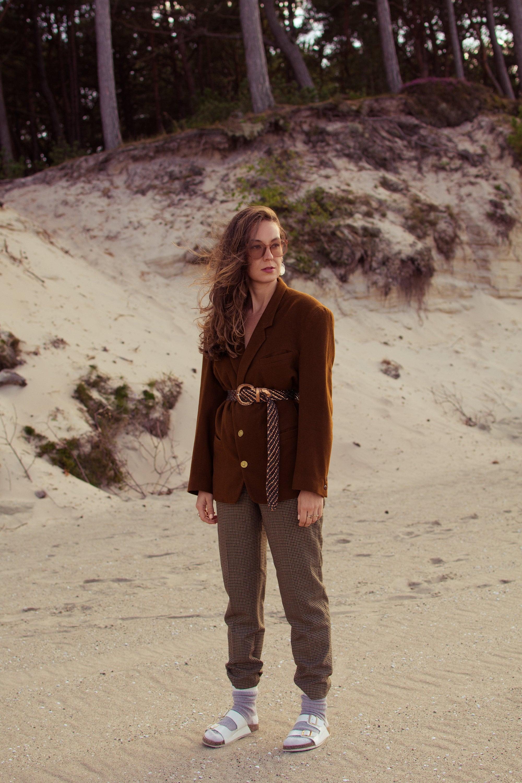 vintage autumn look, vintage blazer, brown vintage blazer, tartan pants
