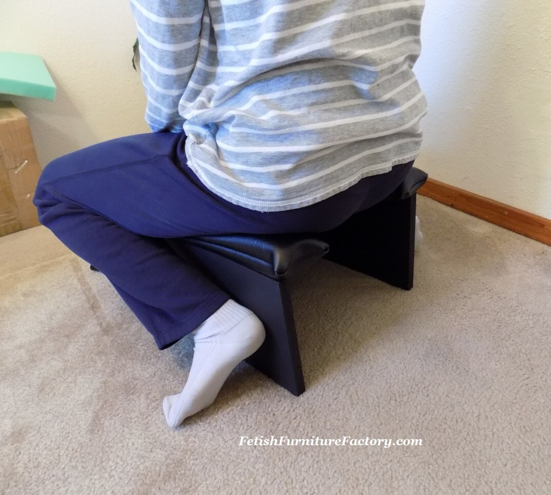 Face Sitting Stool