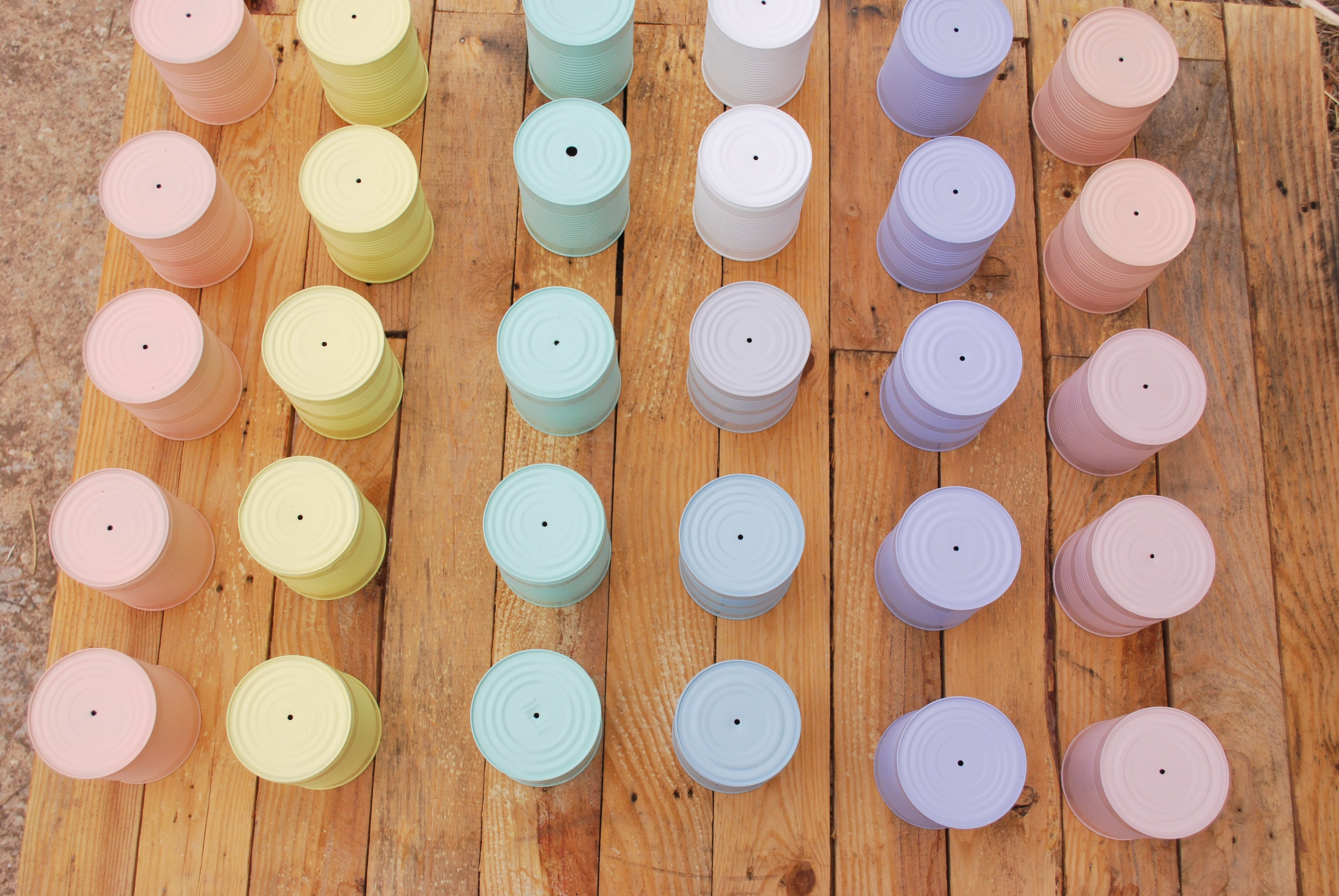 PASTEL COLORS TIN CANS BY ILIUI