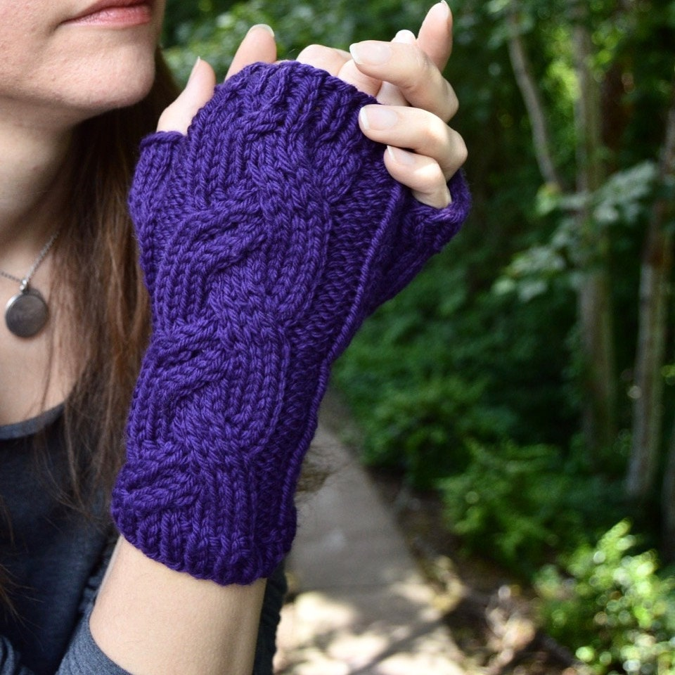 New Pattern: Graces Gloves