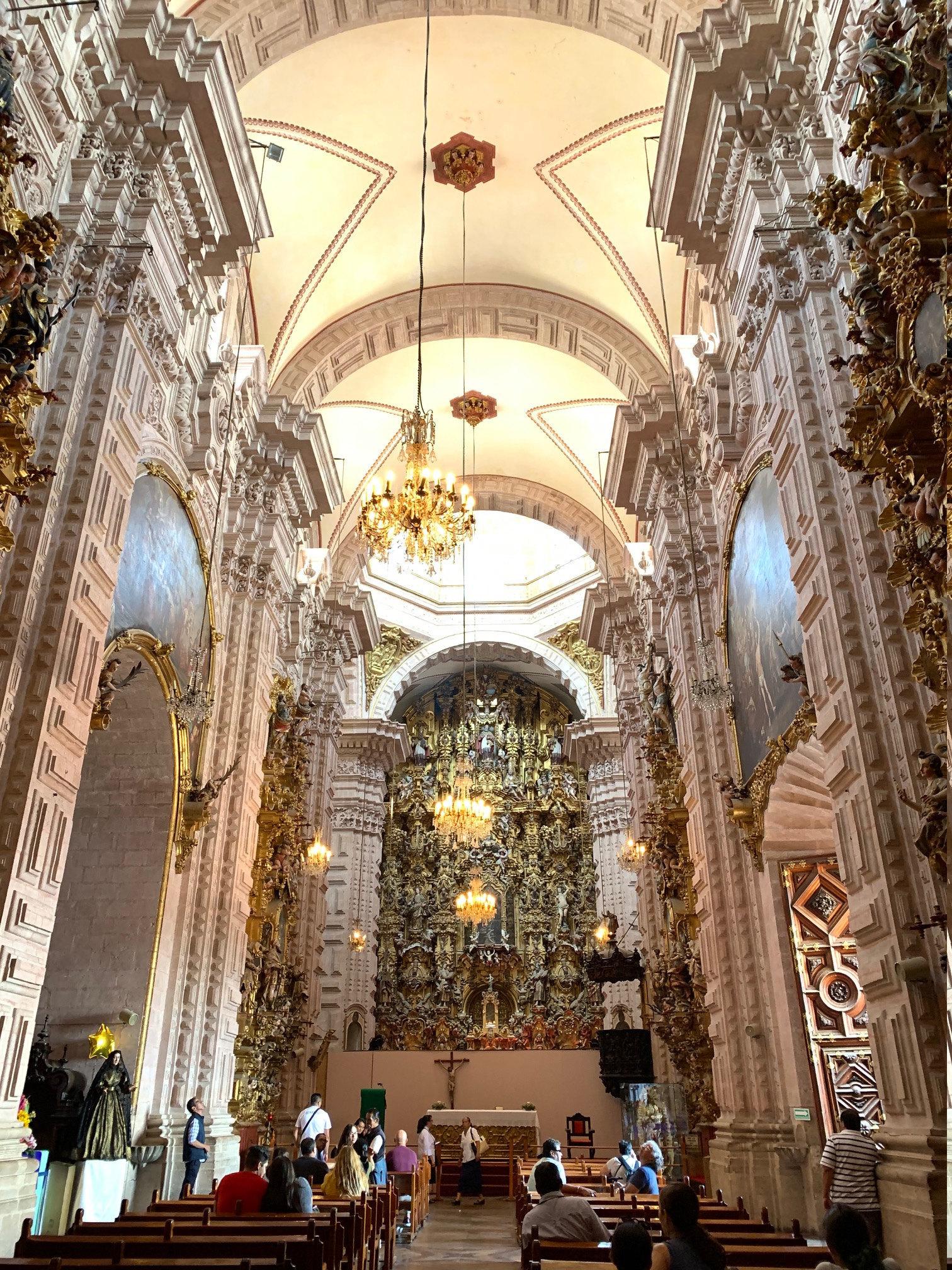 iglesia católica, catholic church, Mexican church, Iglesia, Catedral Santa Prisca, escapulario devocional; devotional Scapular; faith, god is god