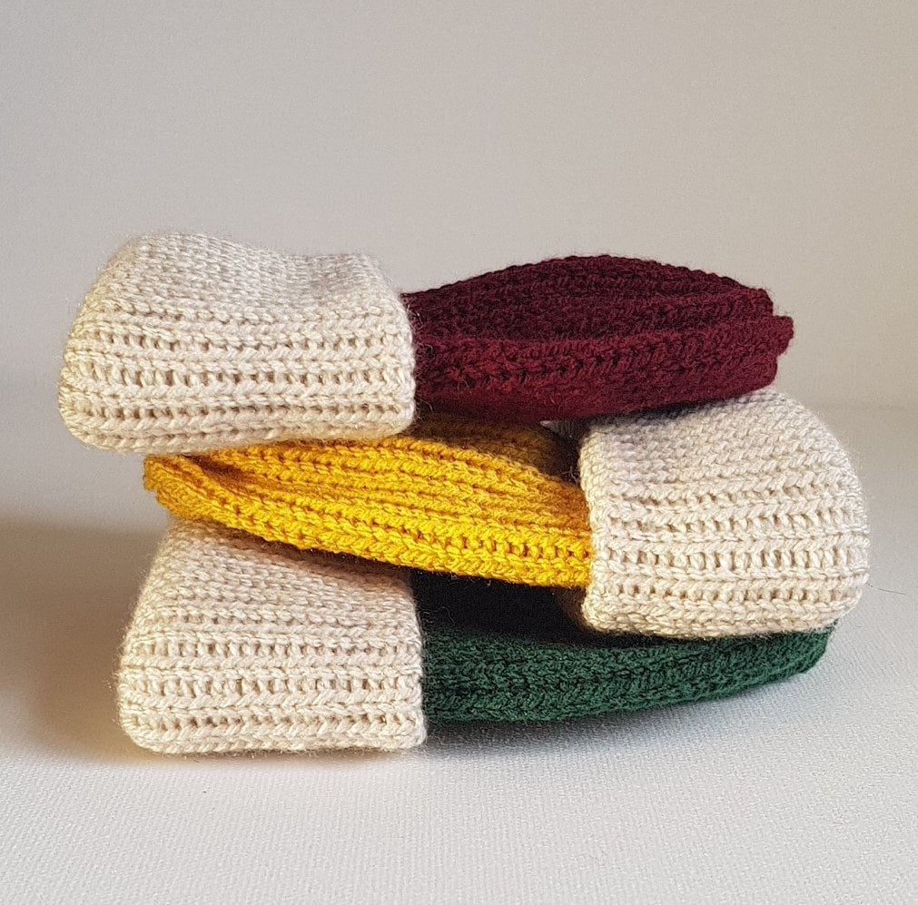 Get ready for autumn with these Super cute fishermans rob beanie hats hand made in the uk in a super soft yarn in lovely autumn colours.