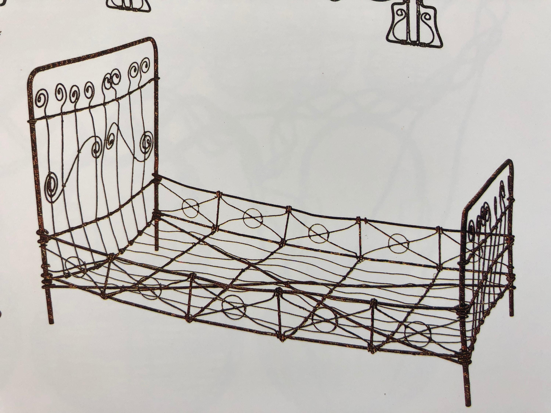 exemple de lit de poupée en fil de fer dans FIL DE FER, objets domestiques de S.SLESIN