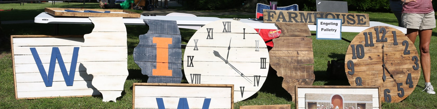 Handmade pallet clocks flags and worded signs von EngelingPalletry
